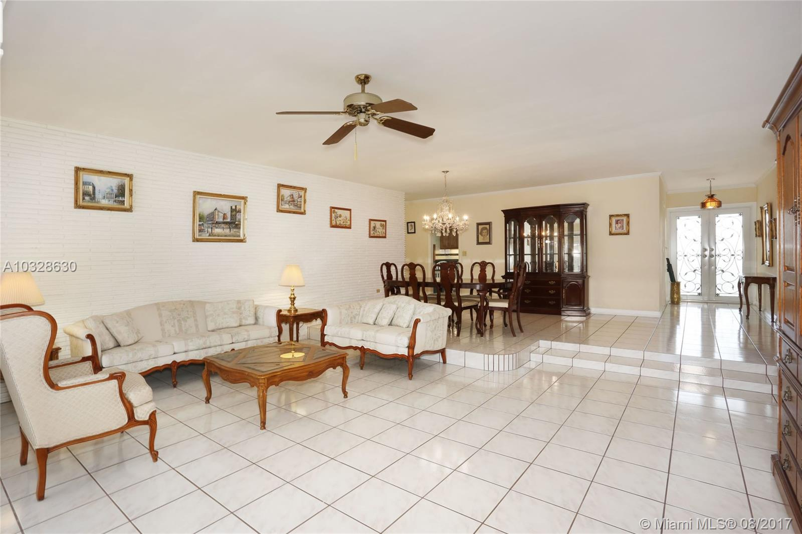 5810 SW 64th Ave, South Miami, FL 33143