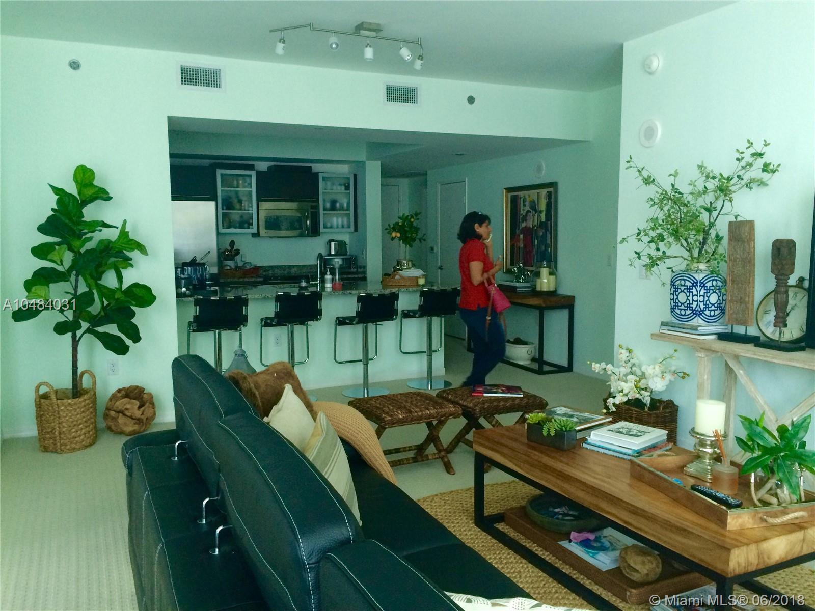 951 Brickell Ave #3611, Miami FL, 33131