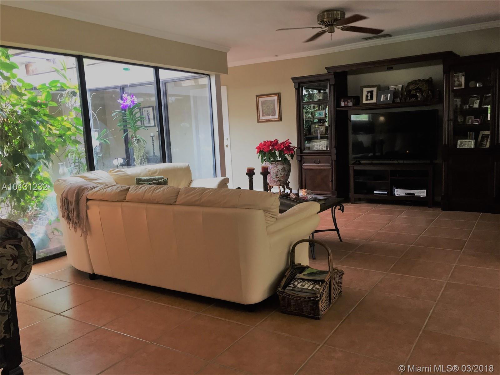 9670 Sw 96th Ct, Miami FL, 33176
