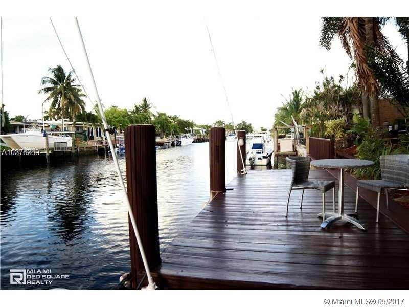 251 SE 11th St, Pompano Beach , FL 33060