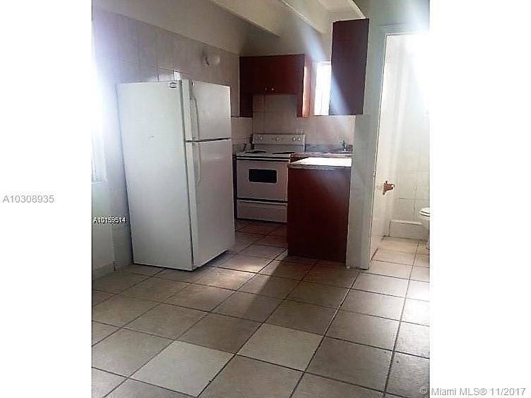 436 SW 8 AV # 8, Homestead, FL 33030