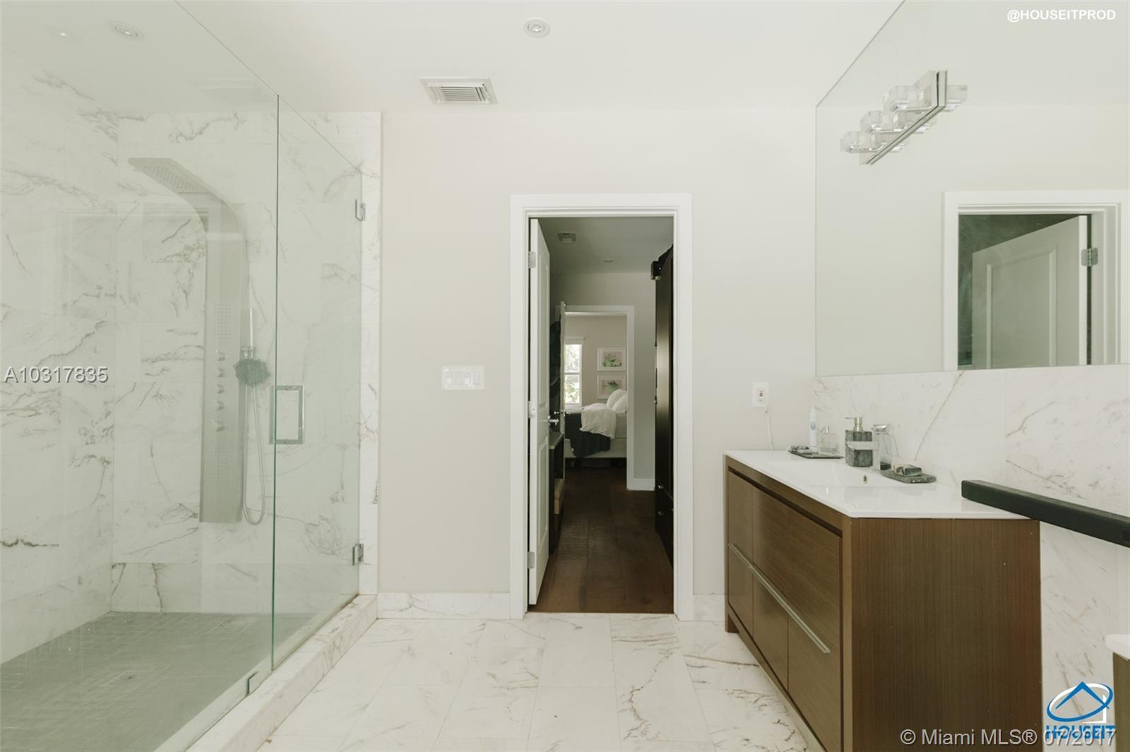 1643 SW 21st St, Miami , FL 33145