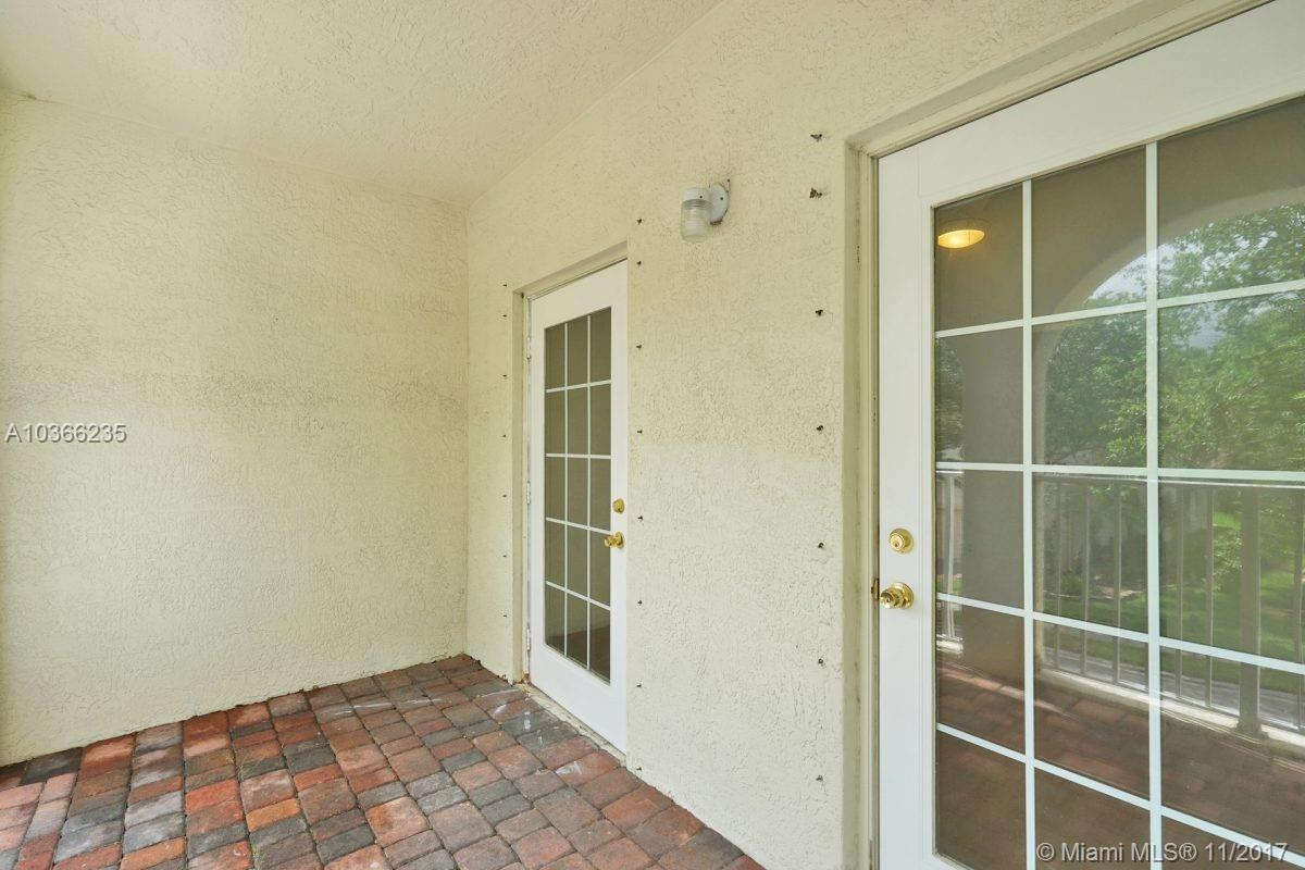 1968 NW 74th Ave, Pembroke Pines , FL 33024