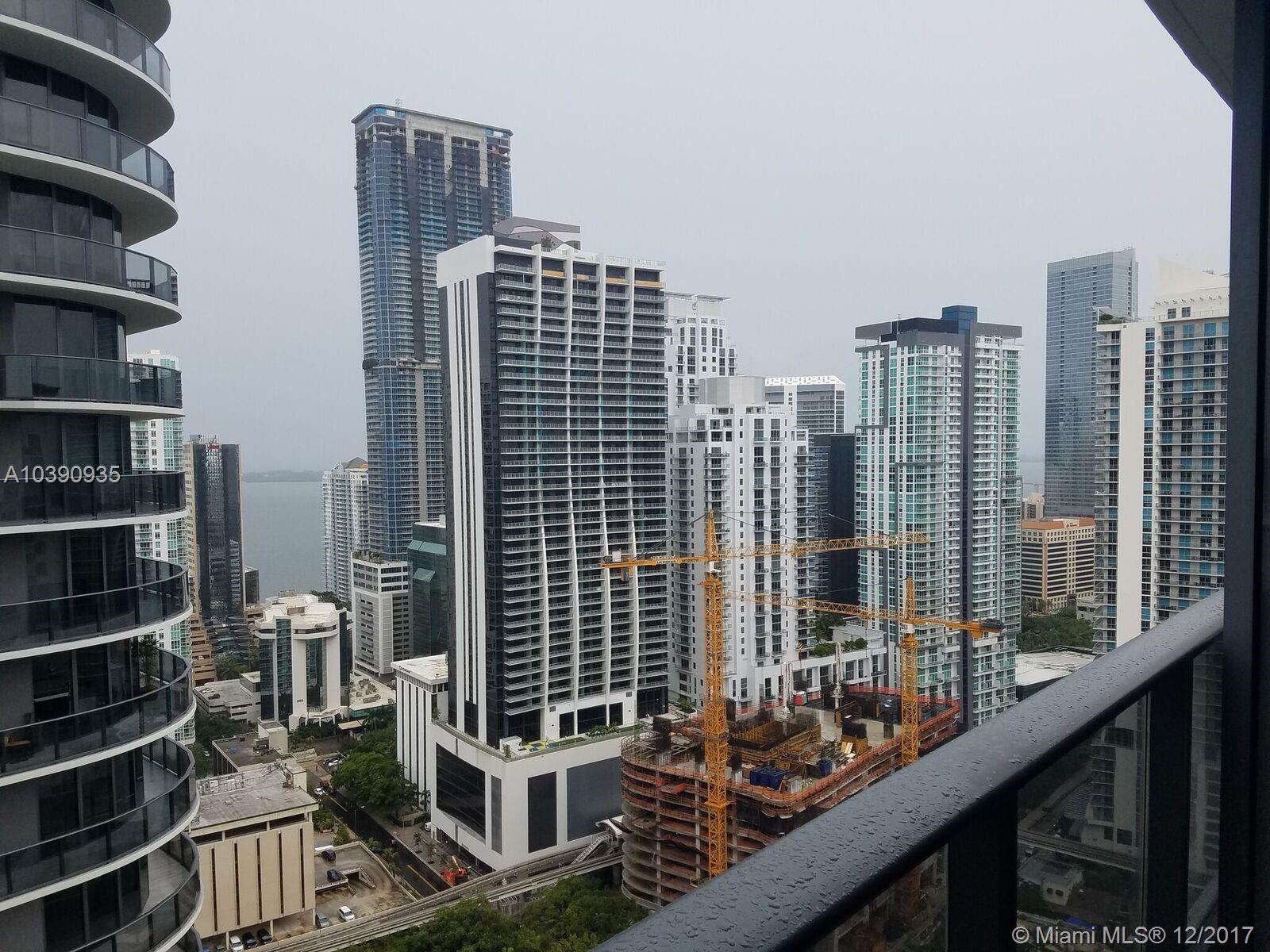45 Sw 9th St #1704, Miami, FL 33130
