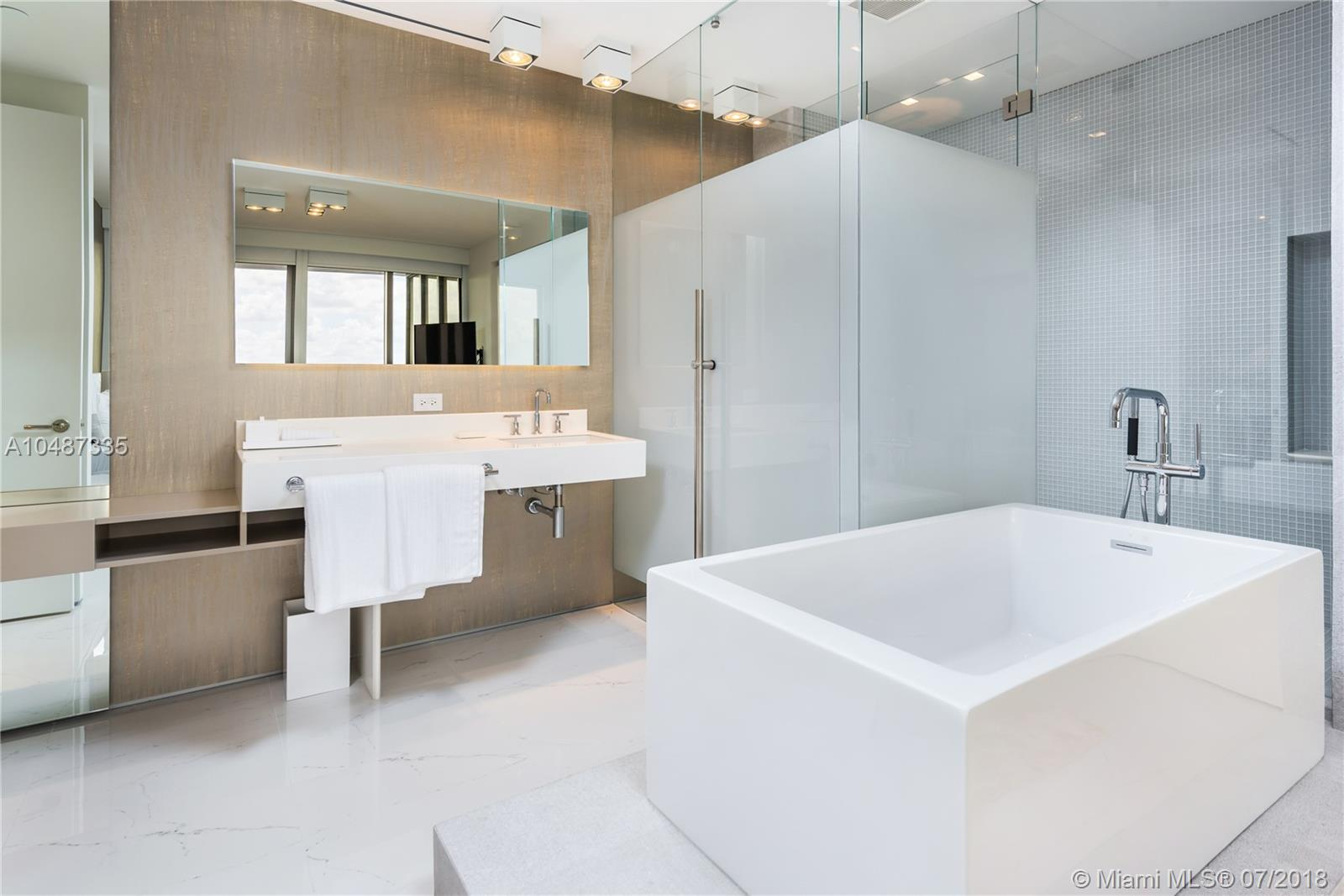 9705 Collins ave-2003N bal-harbour-fl-33154-a10487335-Pic31