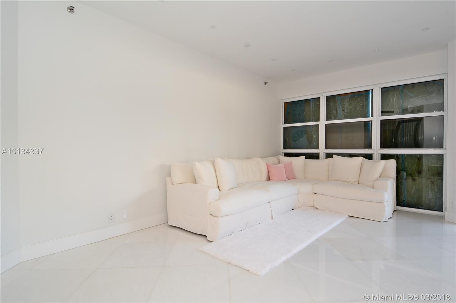 1000 E Island Blvd # 201, Aventura , FL 33160