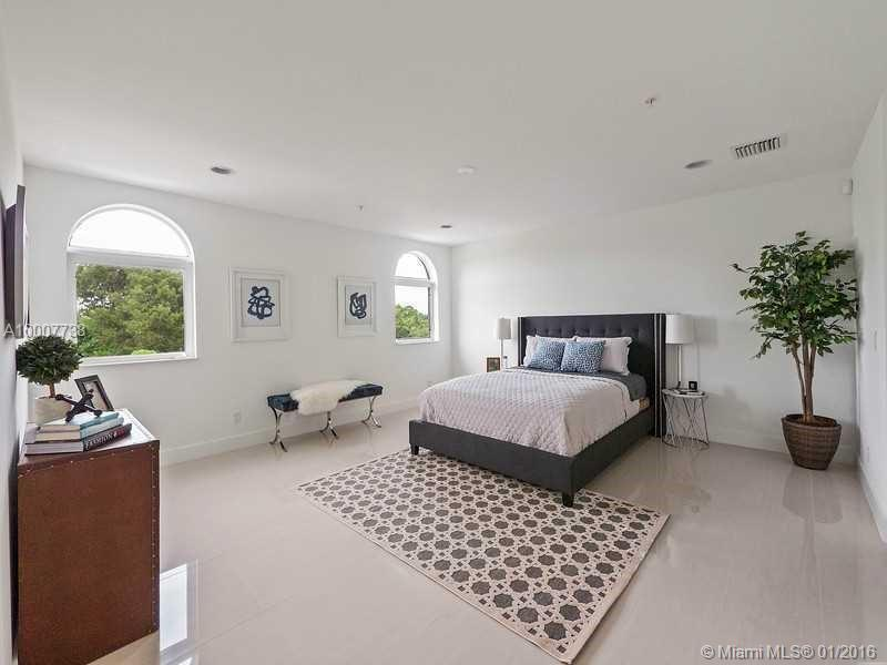 645 9th ave-D fort-lauderdale--fl-33304-a10007738-Pic07