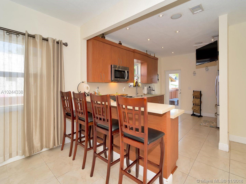 853 SW 12th Ct, Miami , FL 33135