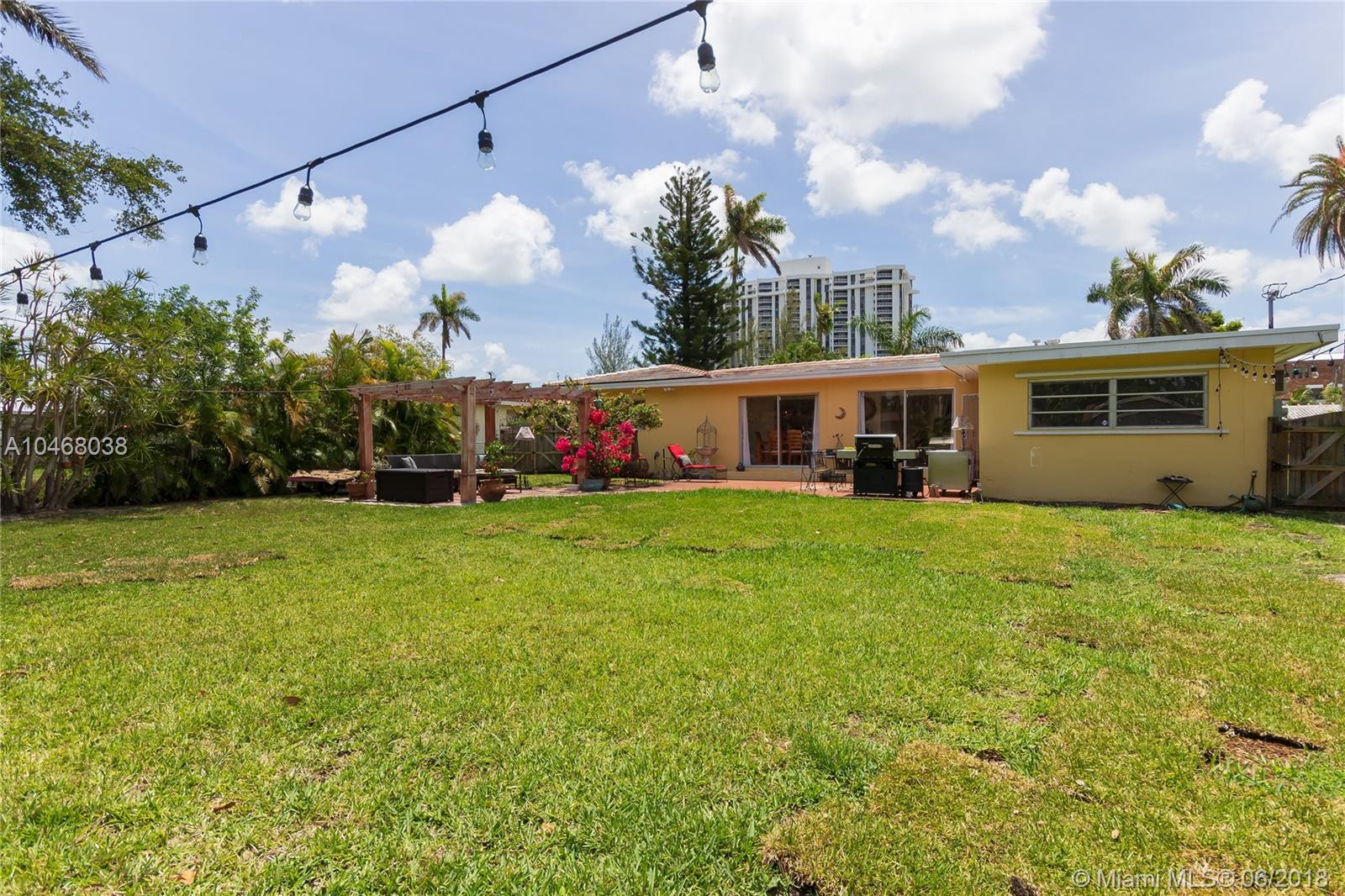 1575 Ne 108th St, Miami, FL 33161