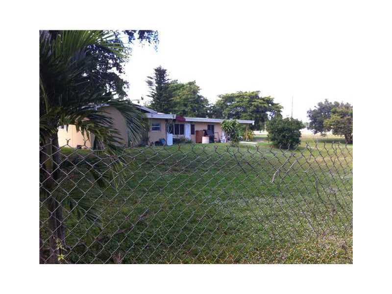 5920 Sw 45th Wy, Davie FL, 33314