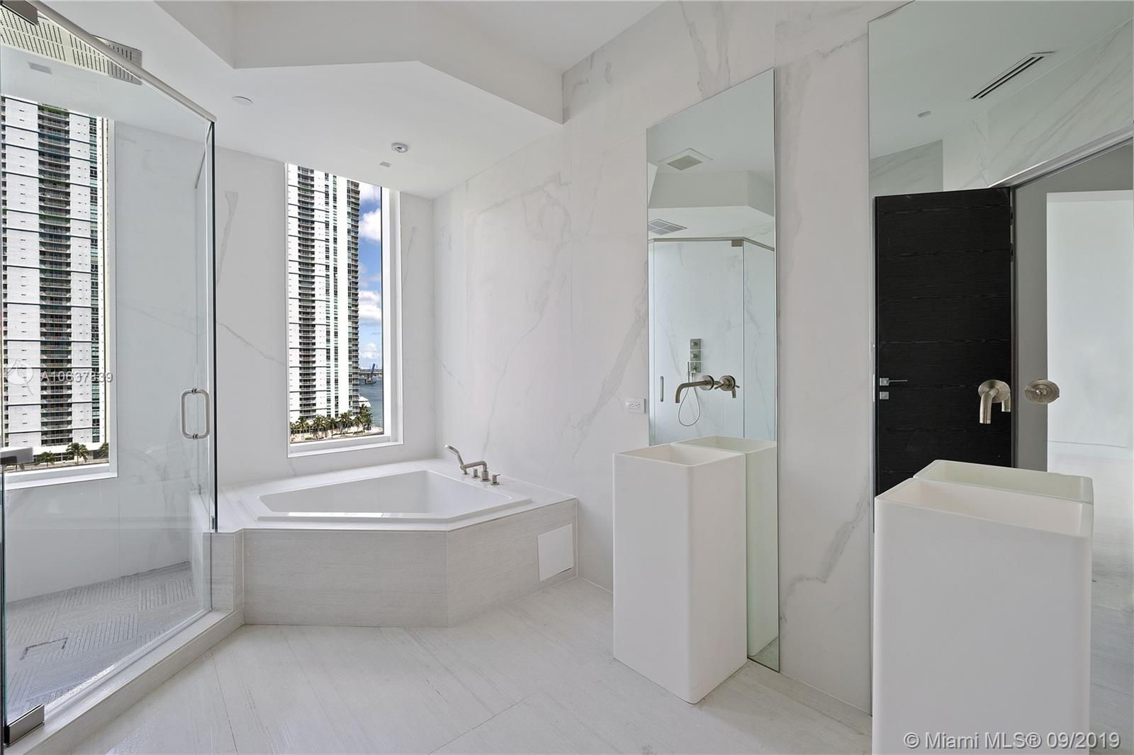 900 Brickell key blvd-901 miami-fl-33131-a10637839-Pic06