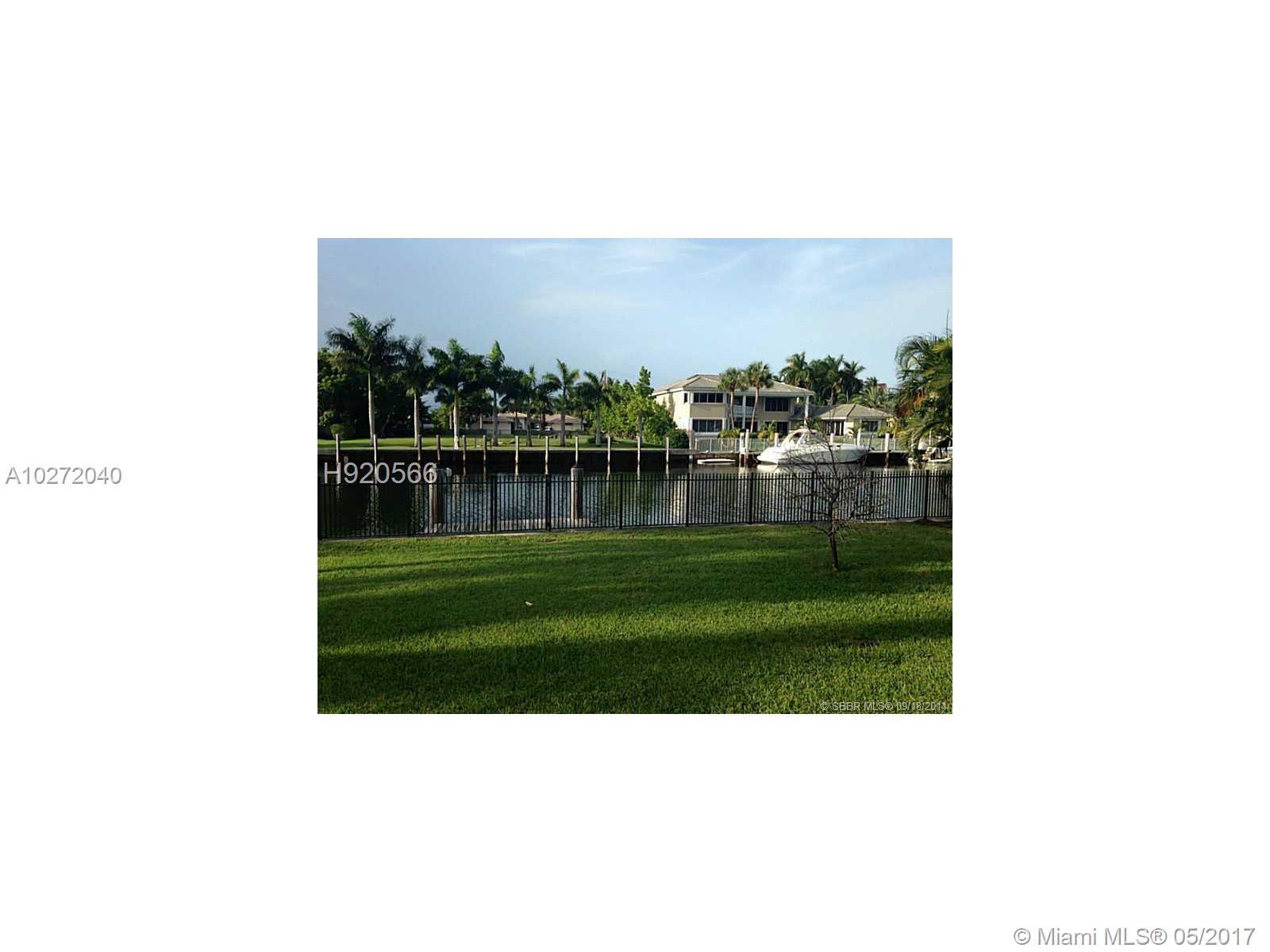 466 HOLIDAY DR, Hallandale , FL 33009