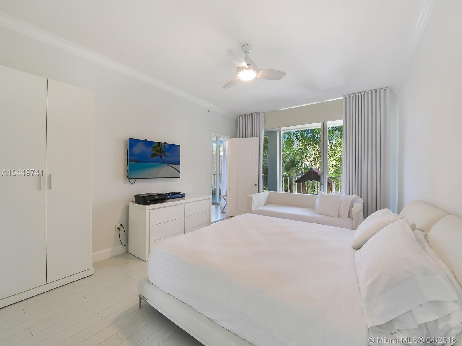 701 Crandon Blvd #201, Key Biscayne FL, 33149