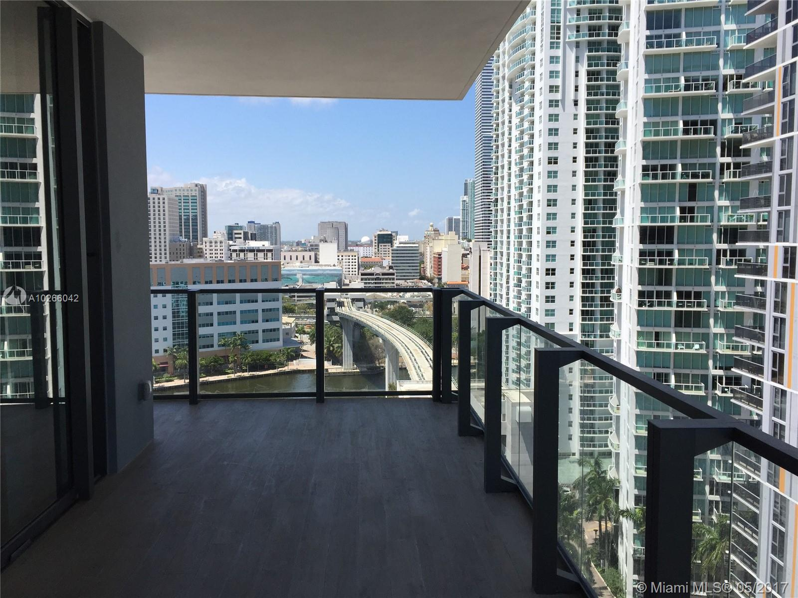 68 6th st-1111 miami--fl-33131-a10266042-Pic11