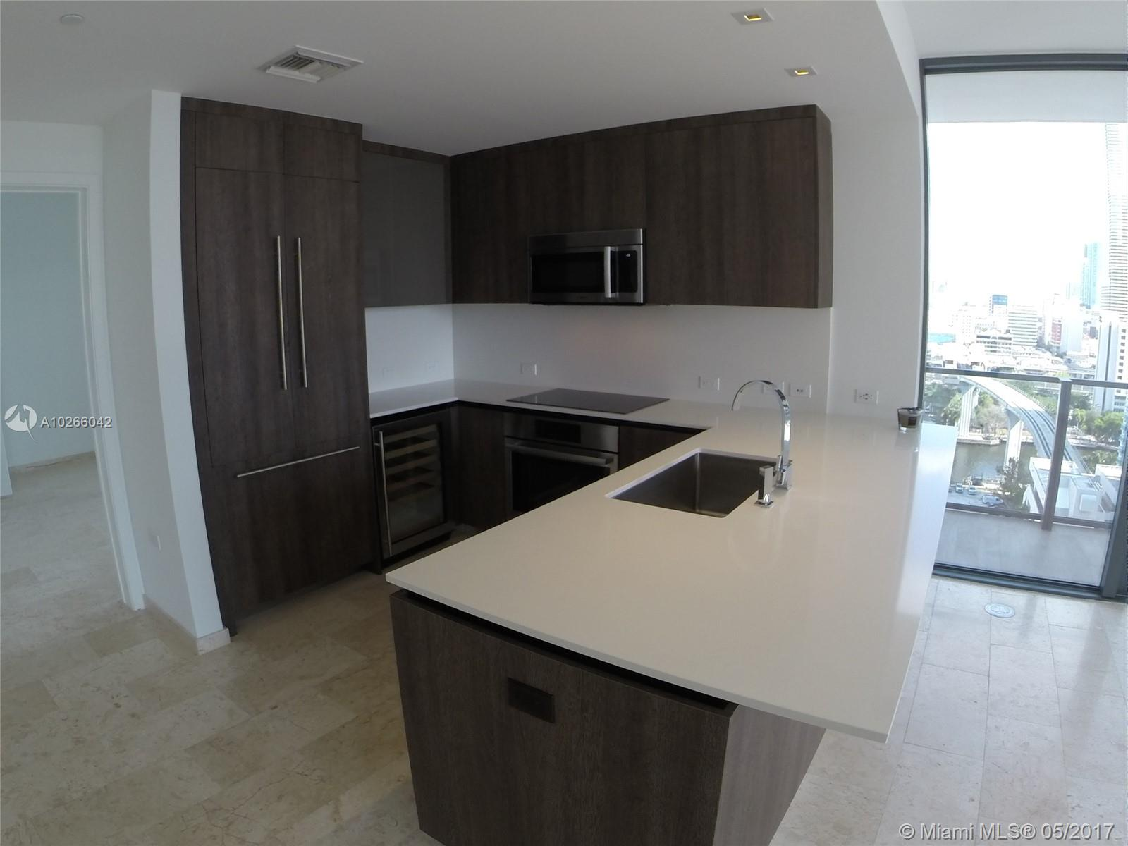 68 6th st-1111 miami--fl-33131-a10266042-Pic16