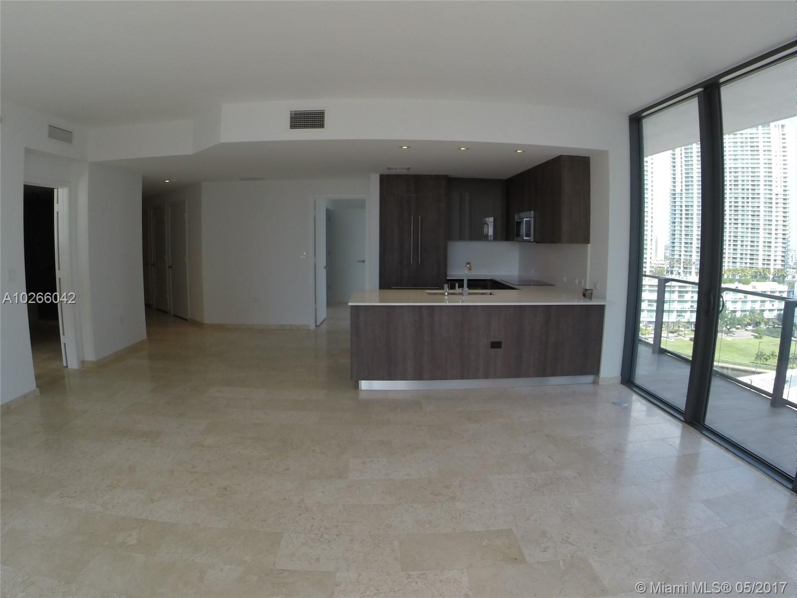 68 6th st-1111 miami--fl-33131-a10266042-Pic17