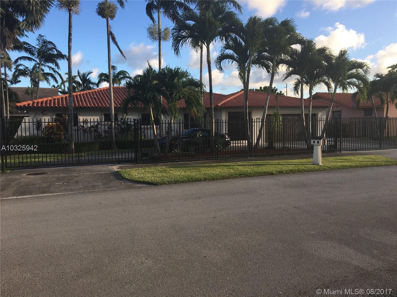 9220 SW 70th St, Miami , FL 33173