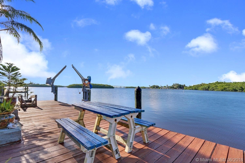 196 Sw Cabana Point Cir, Stuart FL, 34994
