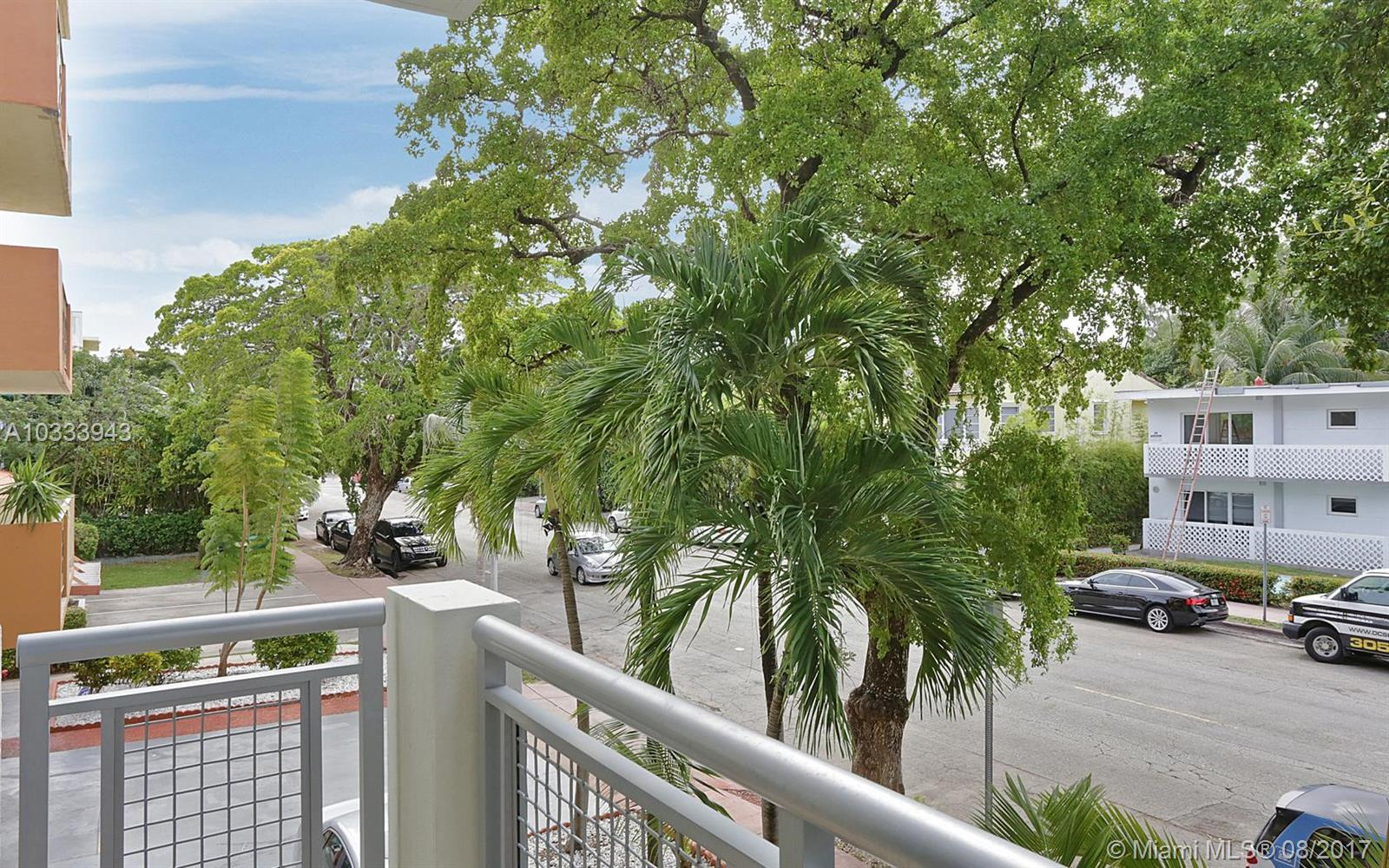 1040 10th St # 202, Miami Beach , FL 33139