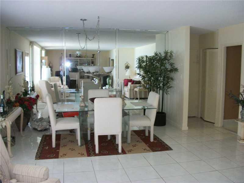 9225 Collins av-701 surfside--fl-33154-a2182743-Pic08
