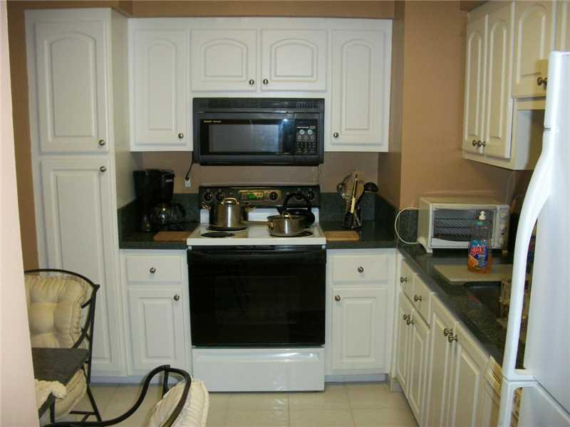 9225 Collins av-701 surfside--fl-33154-a2182743-Pic09