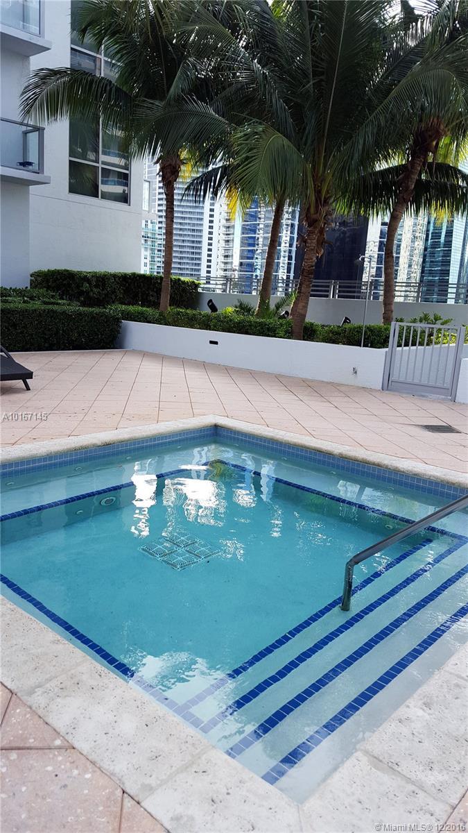 1060 Brickell Ave #3401, Miami FL, 33131
