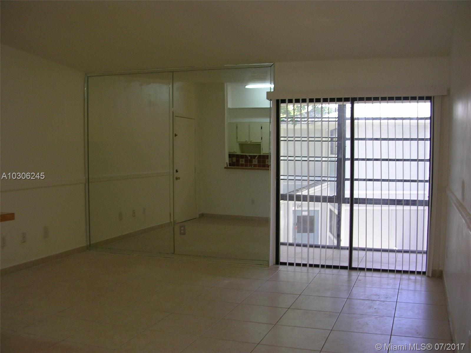 9711 Hammocks Blvd # 207, Miami, FL 33196