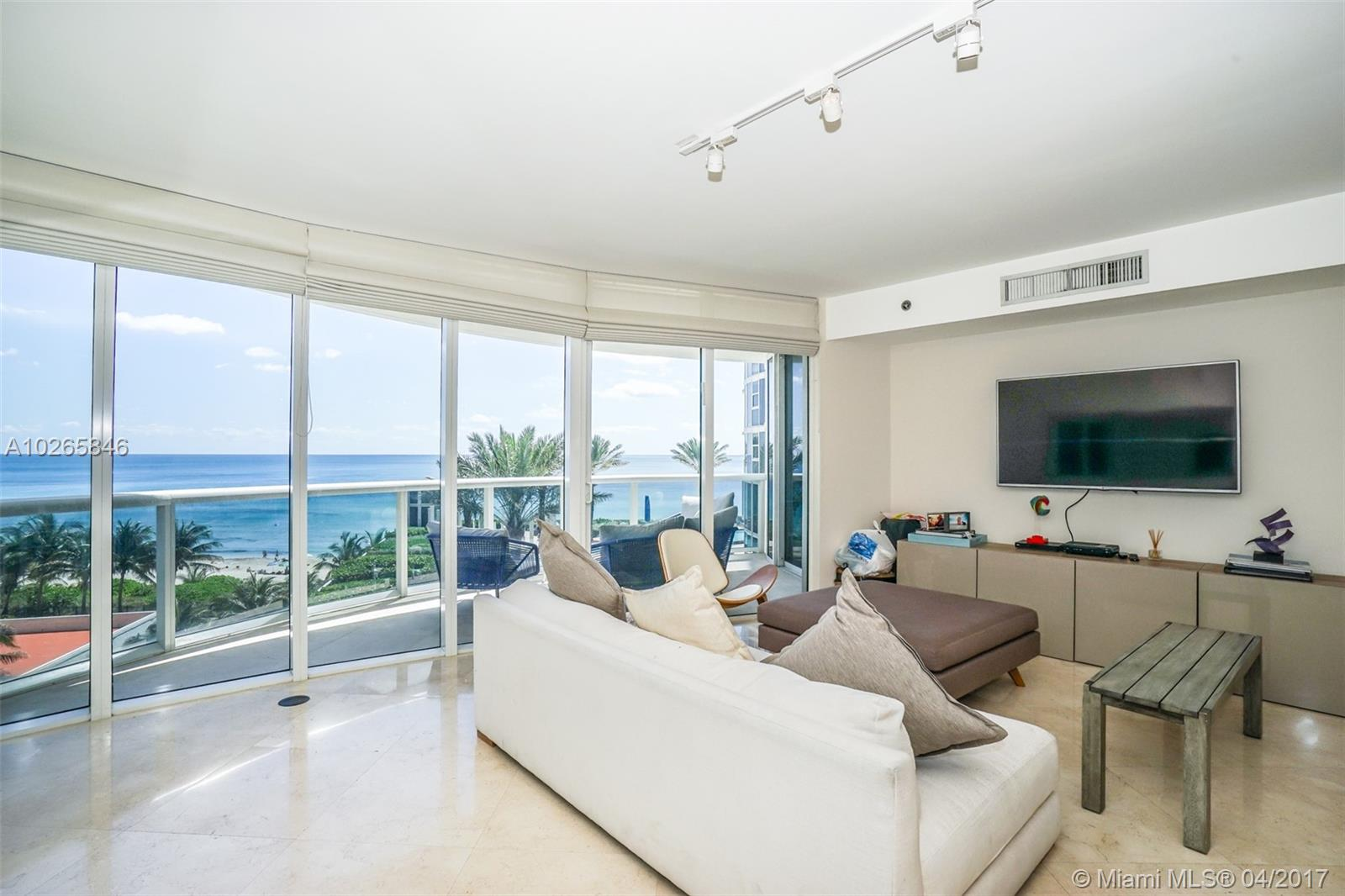 17201 Collins ave-708 sunny-isles-beach--fl-33160-a10265846-Pic01