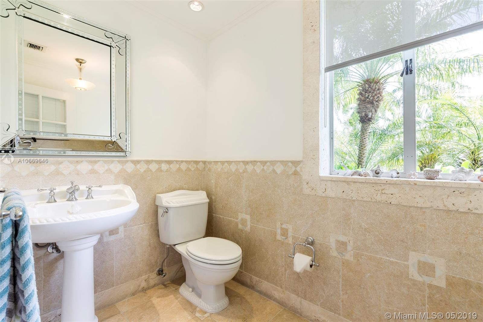 2581 Lake ave-0 miami-beach-fl-33140-a10669646-Pic14