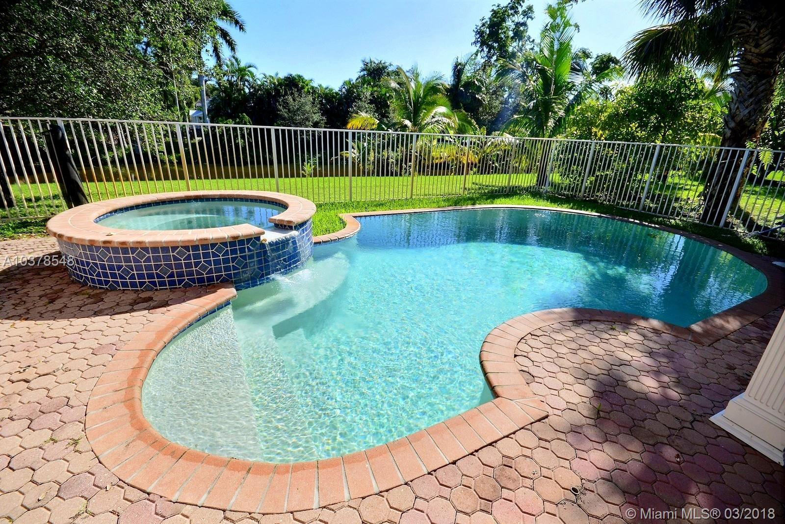 4706 E Lakeside Cir E, Davie , FL 33314