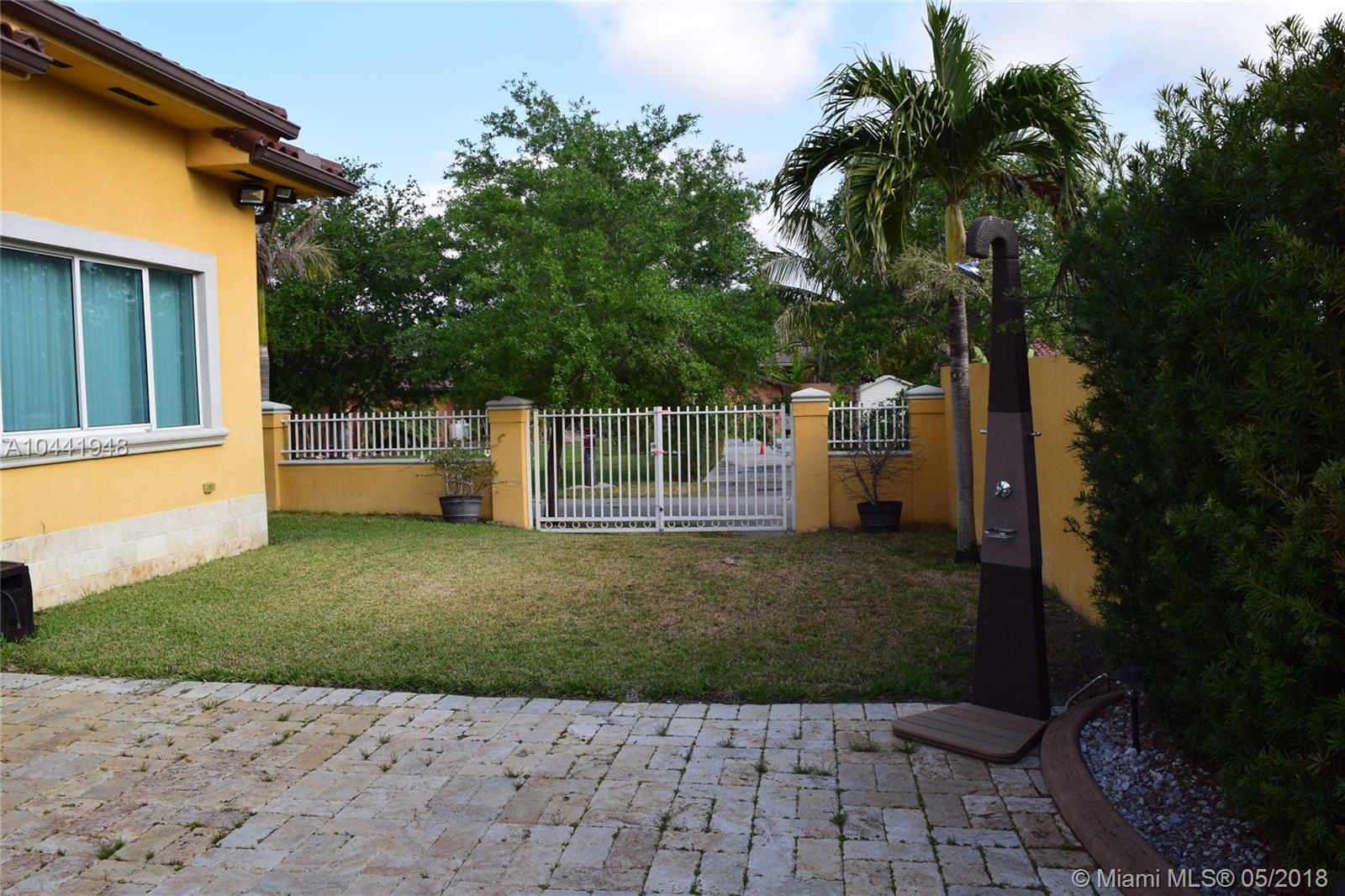 2675 Nw 100th Ave, Doral FL, 33172