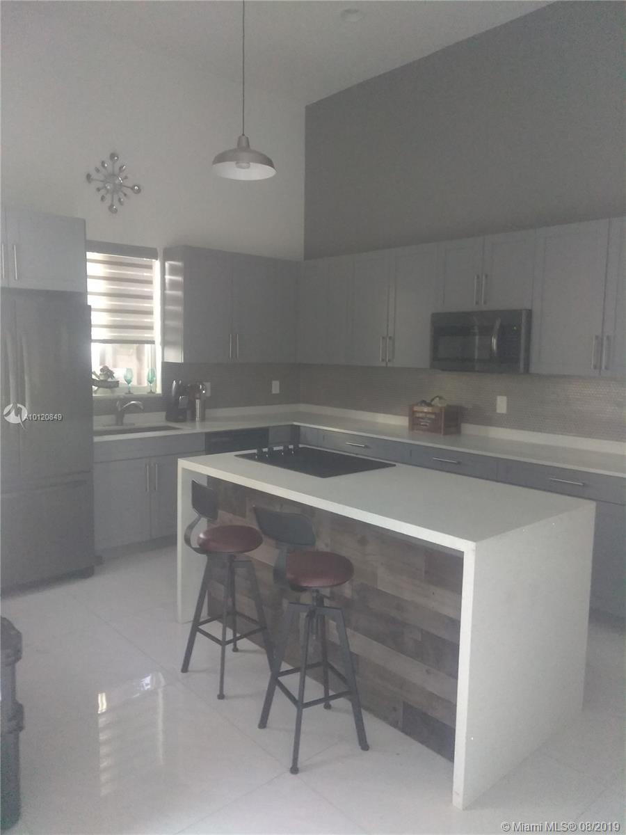 726 Sw 7th Ct, Hallandale FL, 33009