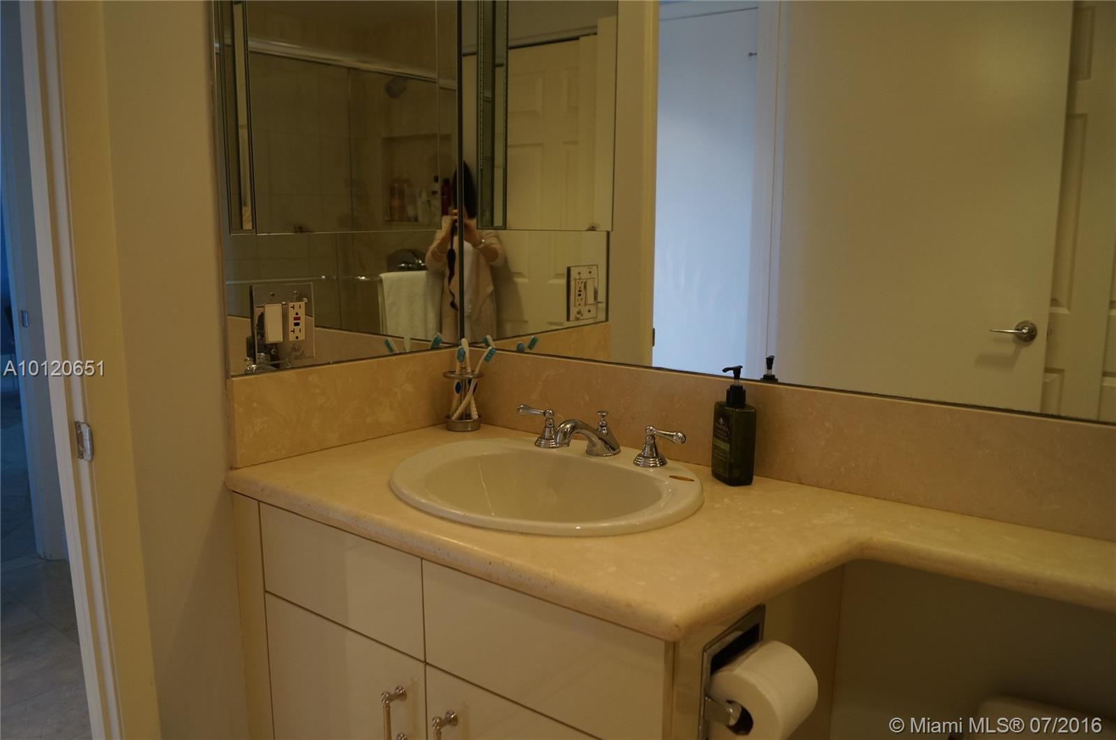 2000 Island Blvd #1610, Aventura FL, 33160