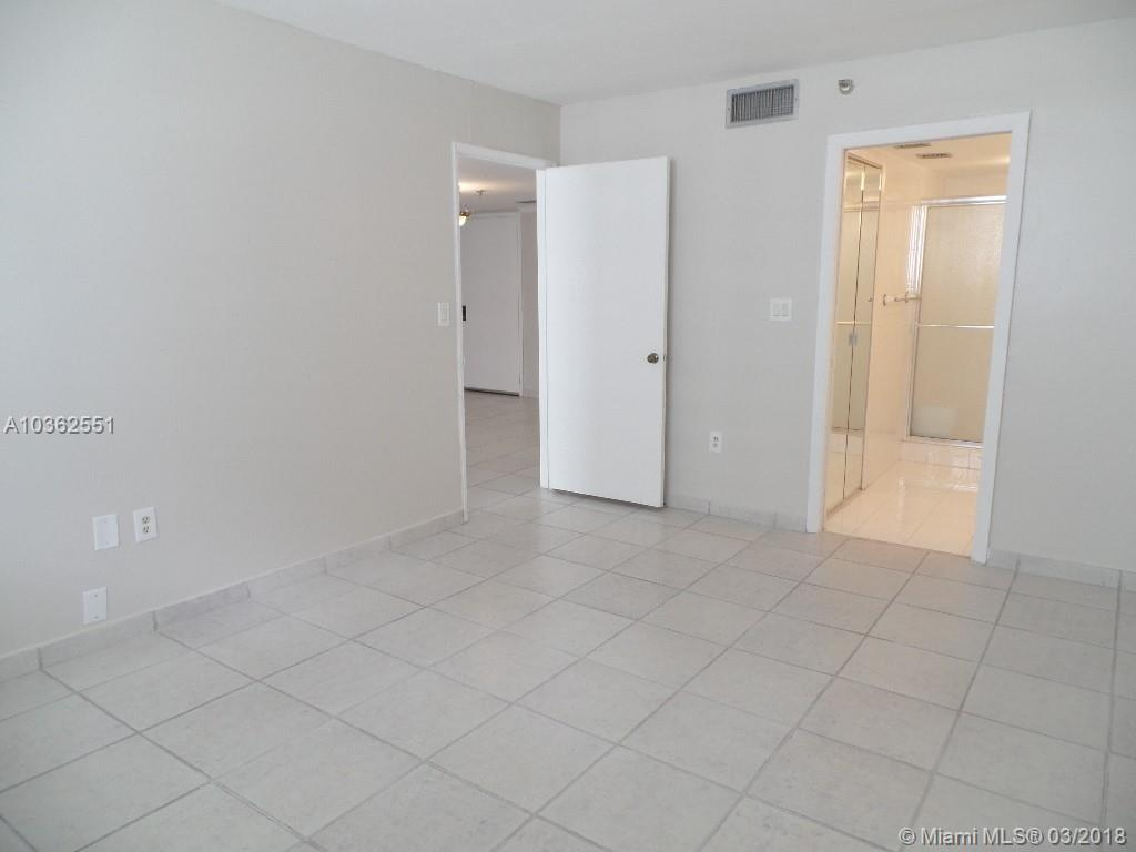 1621 Collins Ave # 906, Miami Beach , FL 33139
