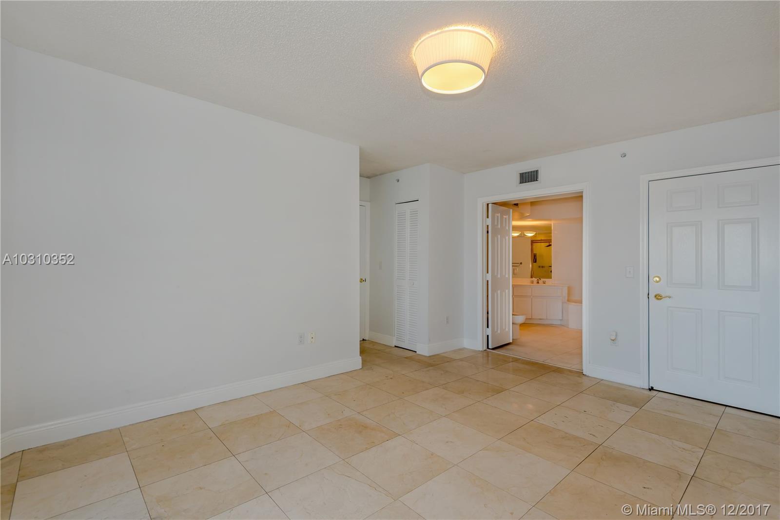 6301 Collins Ave # 1605, Miami Beach , FL 33141