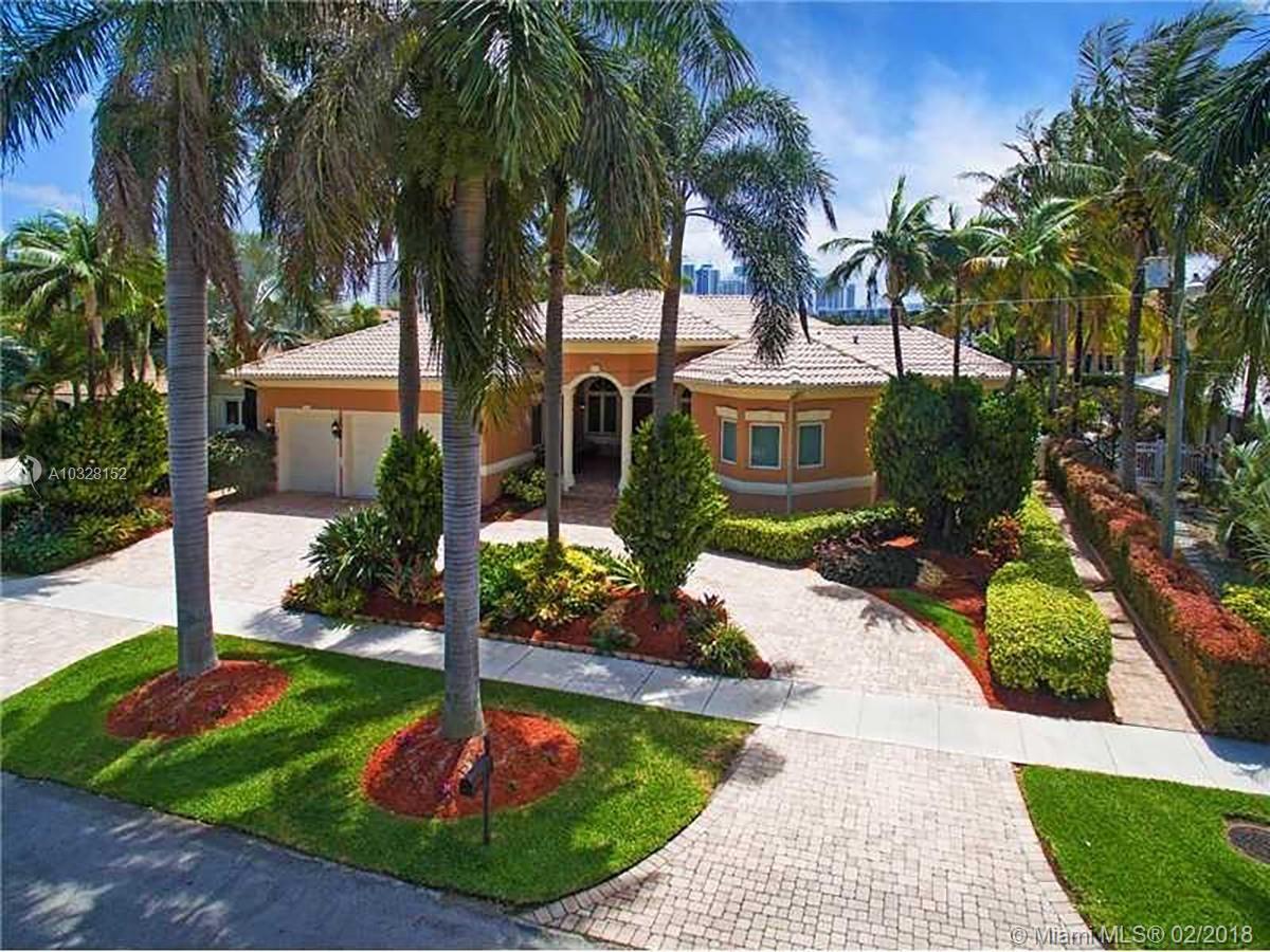 832 Washington St, Hollywood , FL 33019