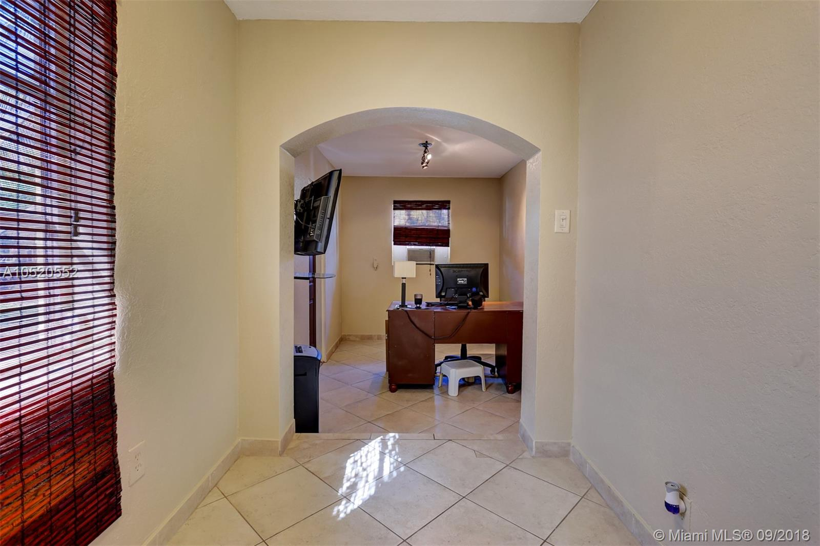 826 Argonaut Is, Dania Beach FL, 33004