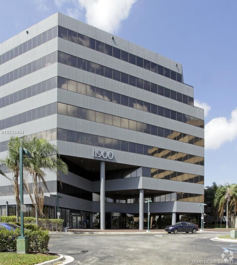 11900 Biscayne Blvd # 801, North Miami, FL 33181