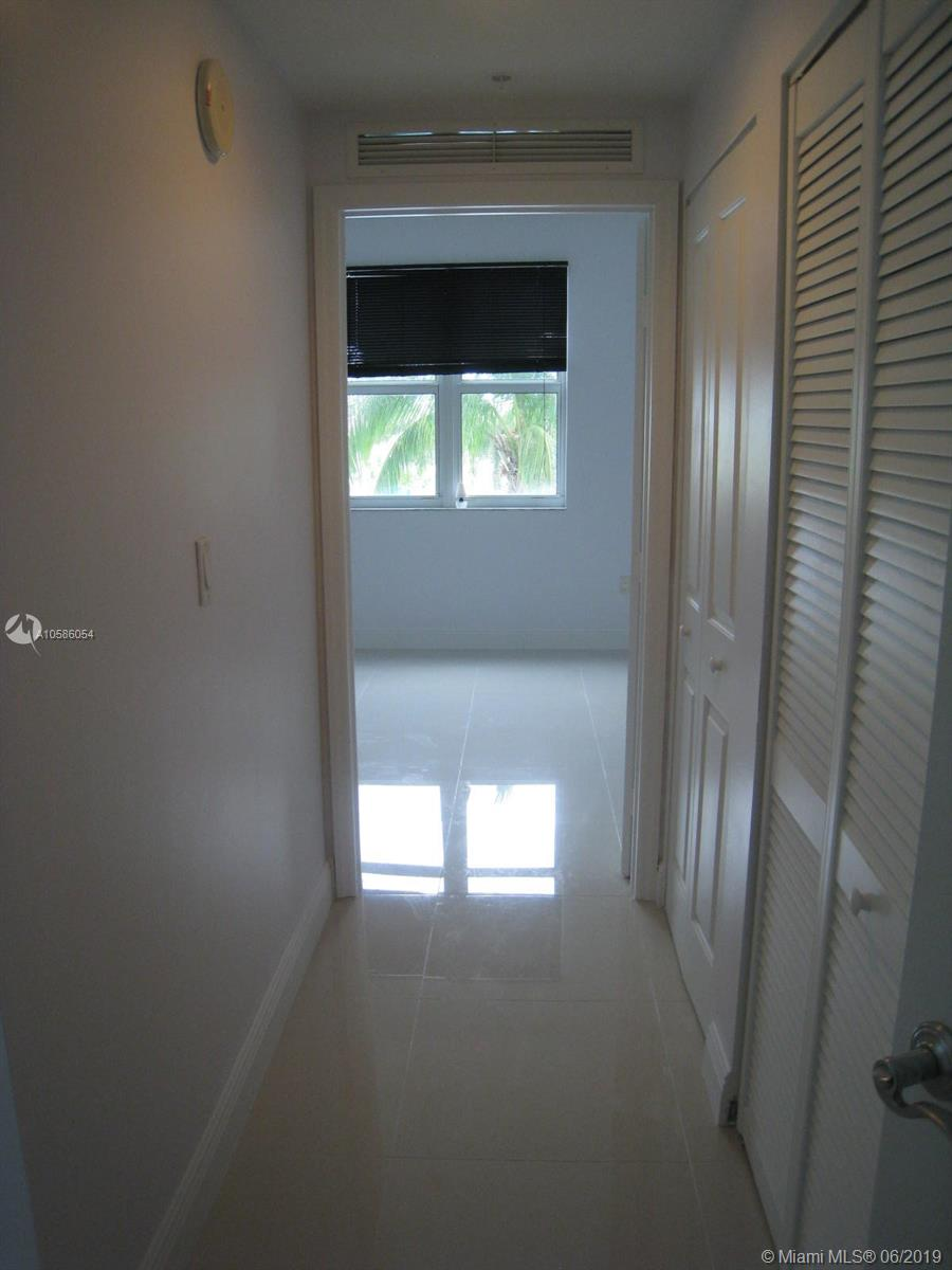 7900 Harbor island dr-717 north-bay-village-fl-33141-a10586054-Pic14