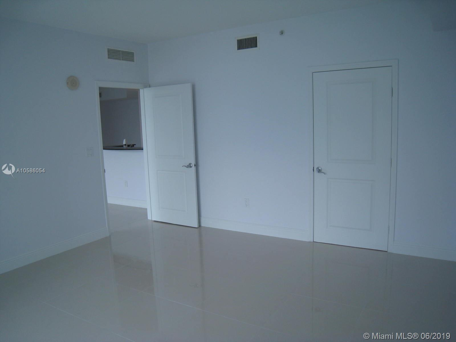7900 Harbor island dr-717 north-bay-village-fl-33141-a10586054-Pic07