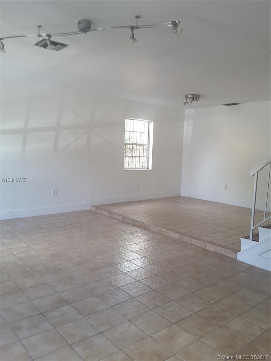 460 NE 18th Ave # 115, Homestead, FL 33033