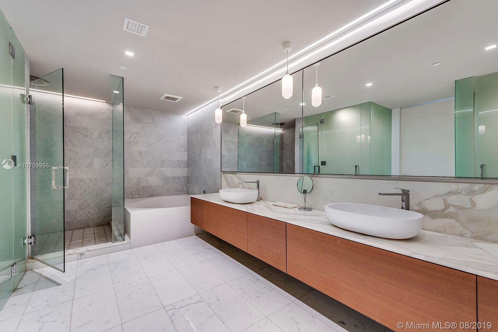 10203 Collins ave-701 bal-harbour-fl-33154-a10709955-Pic25
