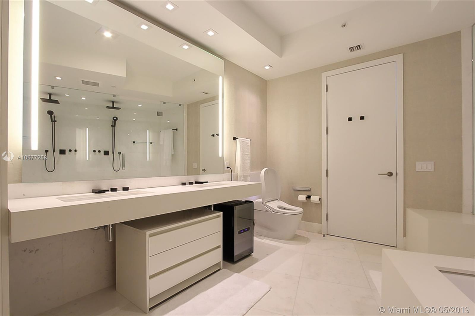 18555 Collins ave-4605 sunny-isles-beach-fl-33160-a10677258-Pic19