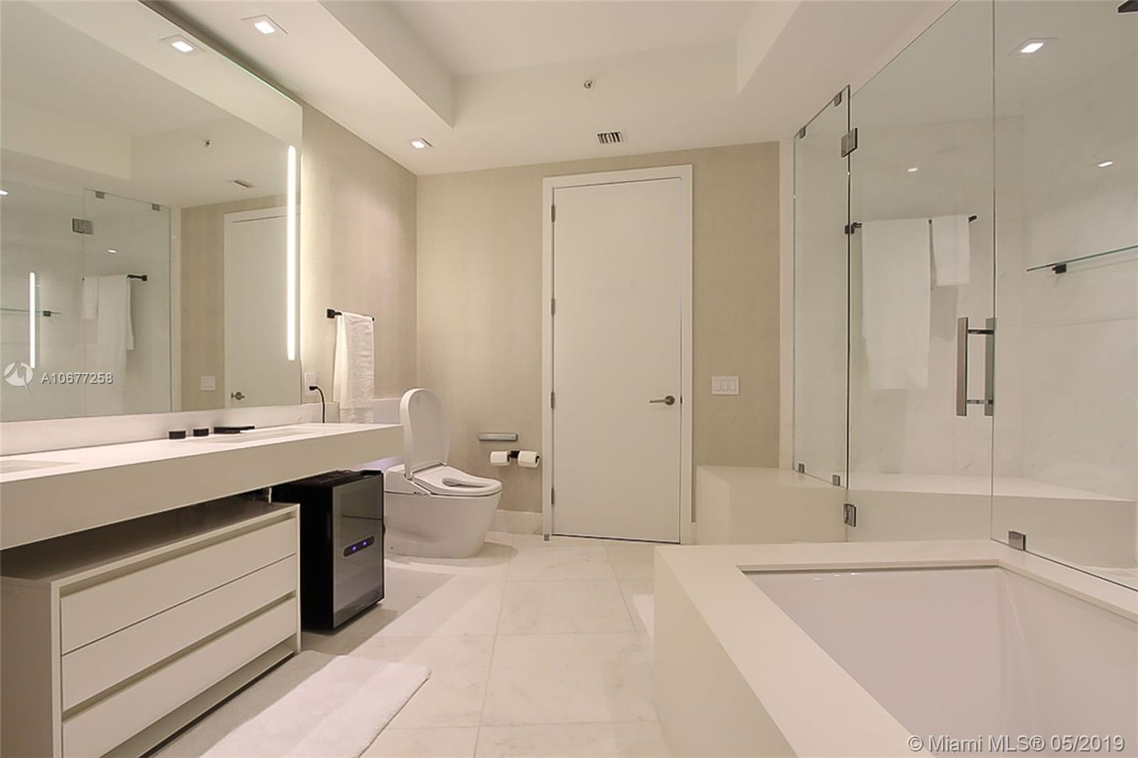 18555 Collins ave-4605 sunny-isles-beach-fl-33160-a10677258-Pic20