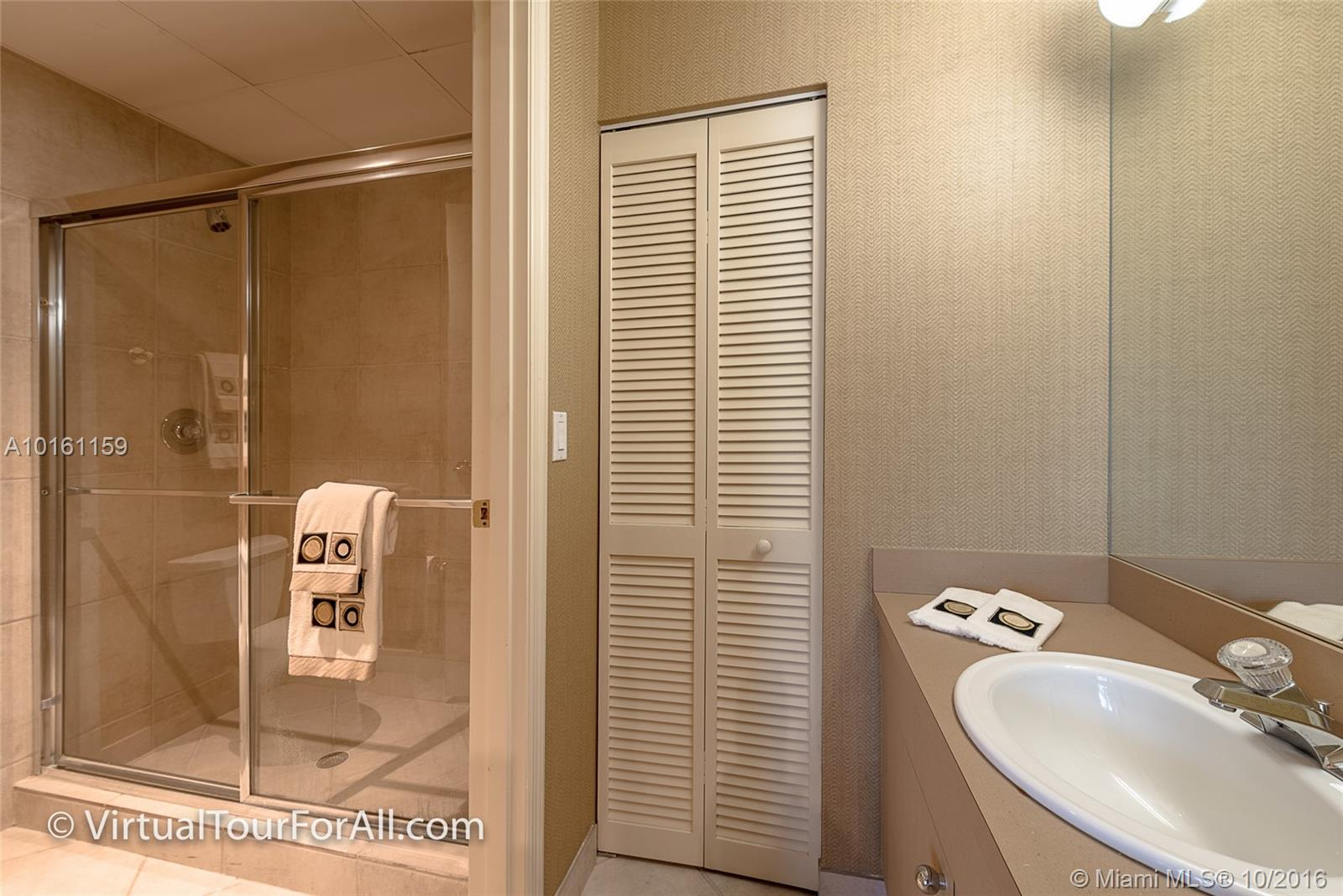 9601 Collins ave-T2 bal-harbour--fl-33154-a10161159-Pic17