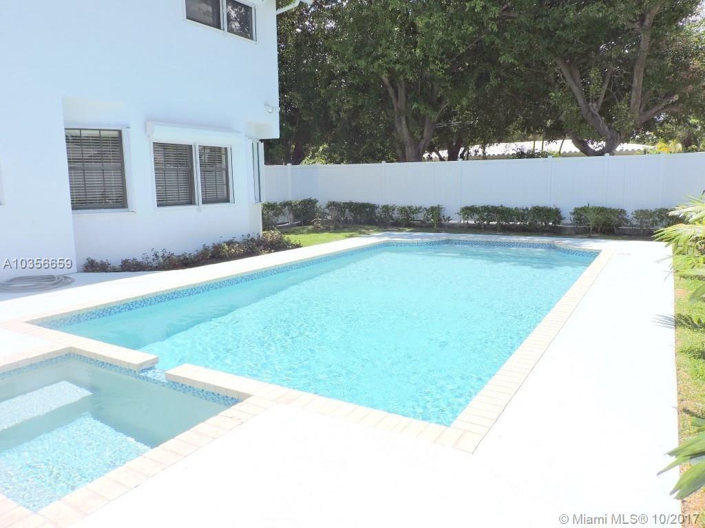 203 SE 8th St, Dania Beach , FL 33004