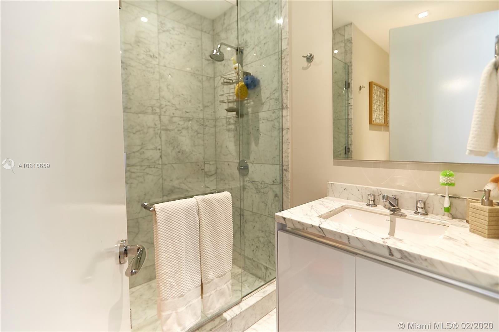 16901 Collins ave-502 sunny-isles-beach-fl-33160-a10815659-Pic23
