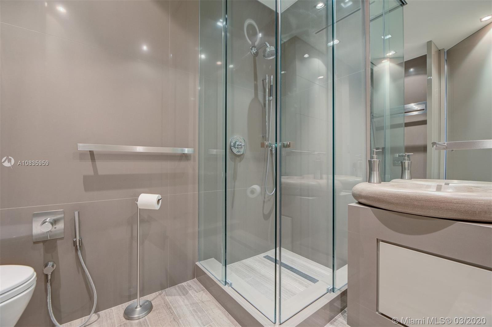 9701 Collins ave-2204S bal-harbour-fl-33154-a10835959-Pic16