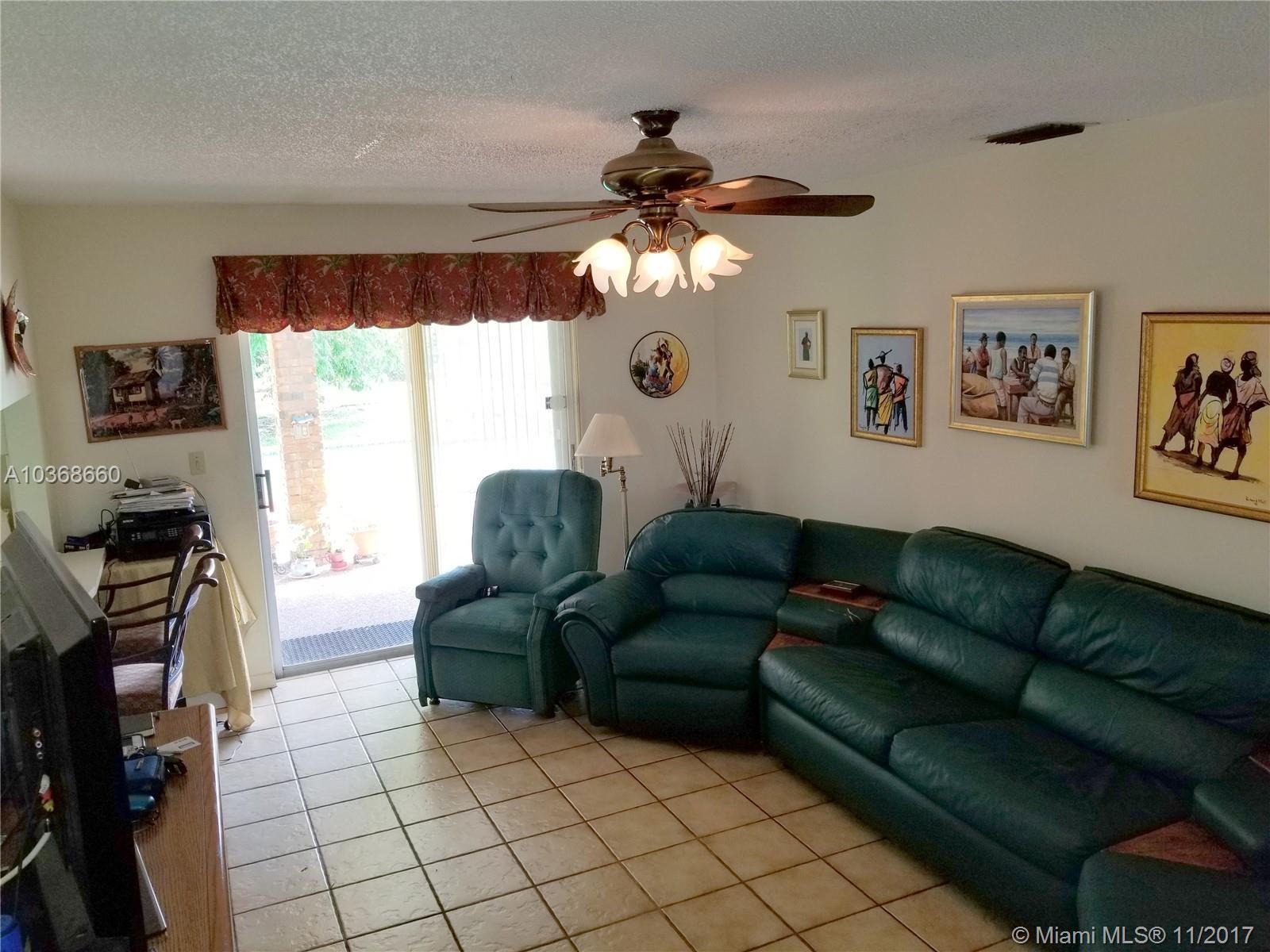 12645 SW 98th Ct, Miami , FL 33176