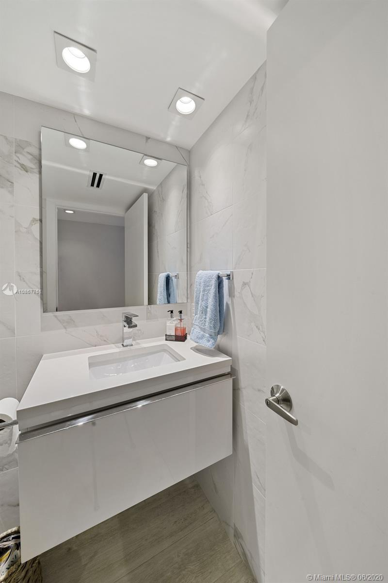2301 Collins ave-1523-24 miami-beach-fl-33139-a10867761-Pic16